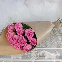 Роза розовая в упаковке крафт (15шт.)