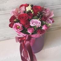 Цветы в шляпной коробке 30002